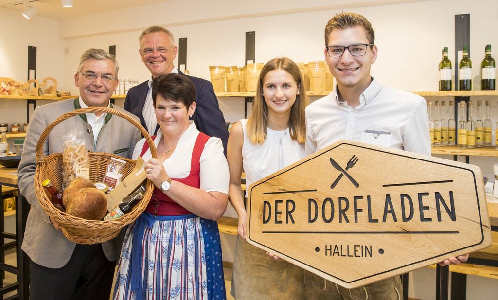 Regionale Produkte mitten in der Stadt: LR Josef Schwaiger, Vize-Bgm. Max Klappa..