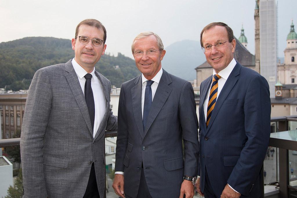Landeshauptmann Wilfried Haslauer mit den Geschäftsführern der BIG, Hans-Peter W..