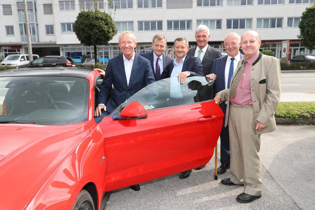 90 Jahre Autohaus Schmidt, im Bild: Landeshauptmann Wilfried Haslauer, Hans Scha..