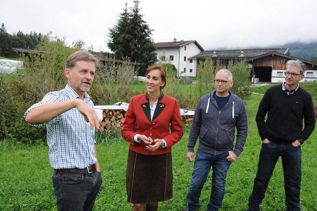 Besuch beim Gruberbauer in Saalfelden, im Bild: Biobauer Ernst Moßhammer, Landes..