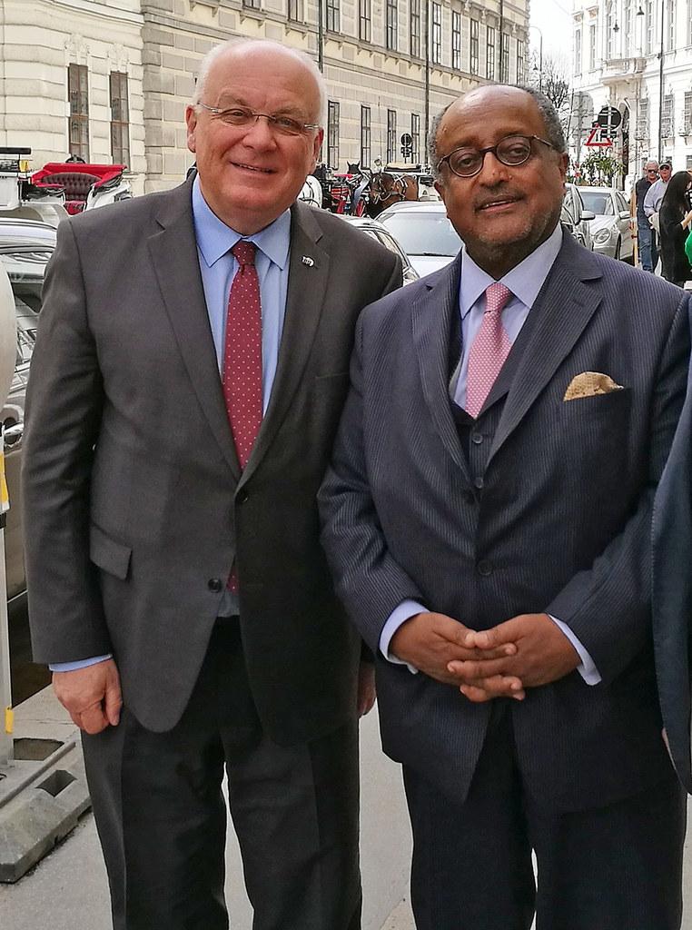 IRE-Gründer Franz Schausberger (links) und Prinz Asfa Wossen Asserate aus der eh..