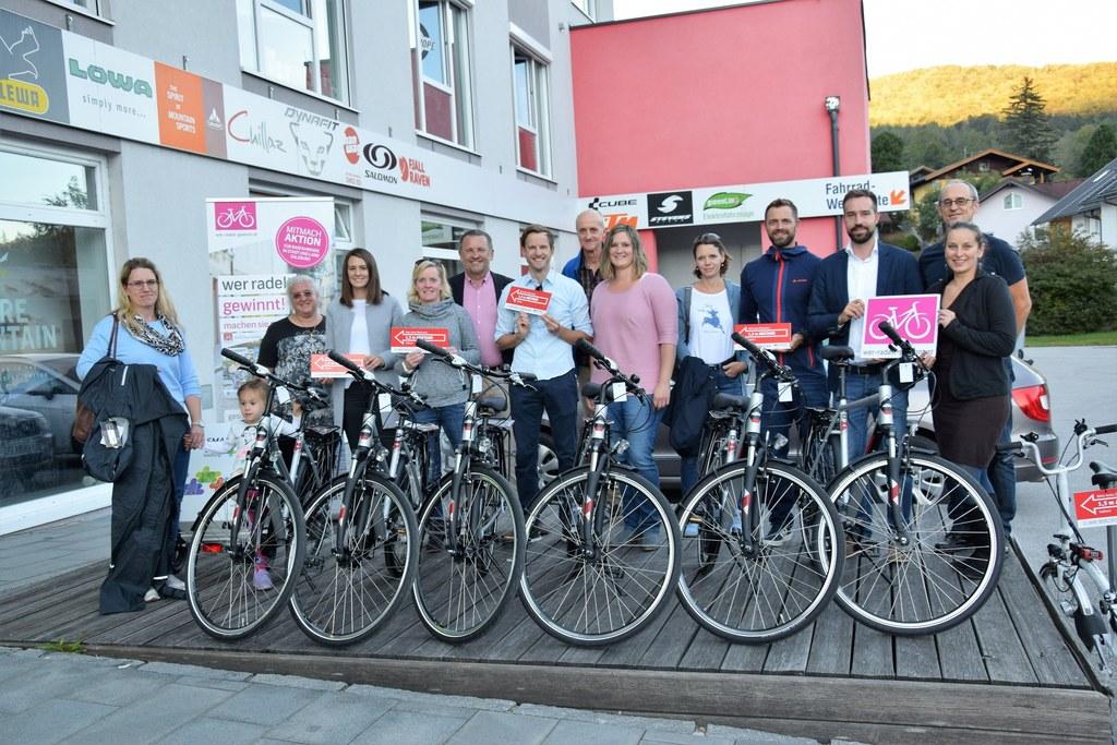 Landesrat Stefan Schnöll gratulierte den Gewinnerinnen und Gewinnern der Aktion ..