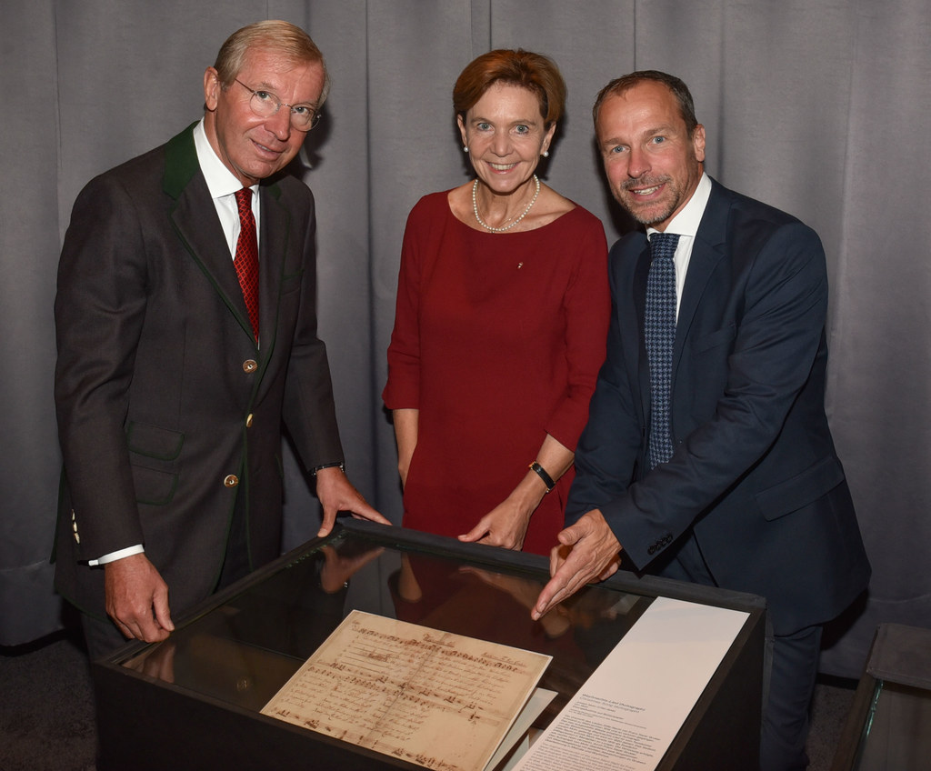 LH Wilfried Haslauer und Landtagspräsidentin Brigitta Pallauf gemeinsam mit Chef..