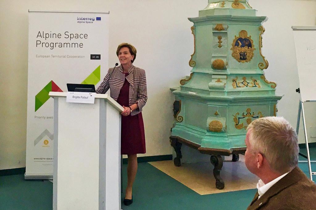 Brigitta Pallauf bei der Eröffnung der EUSALP-Konferenz in Schloss Leopoldskron
