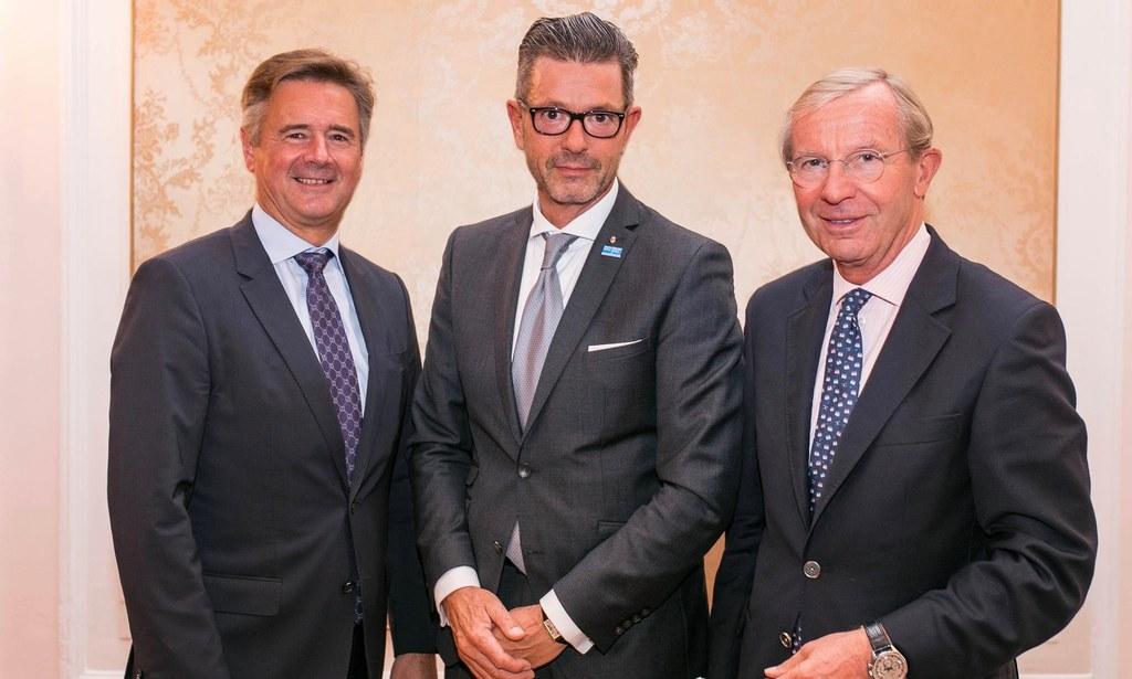Regionalität siegt: Günther Reibersdofer, Raiffeisen Gen.-Dir.,  Michael Kretz, ..