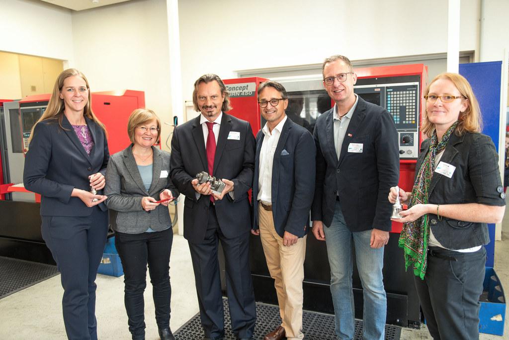 LR Andrea Klambauer beim Besuch des TAZ Mitterberghütten bei Bischofshofen.