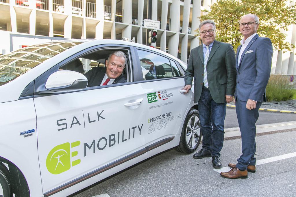 SALK Geschäftsführer Paul Sungler, LH-Stv. Christian Stöckl und LH-Stv. Heinrich..