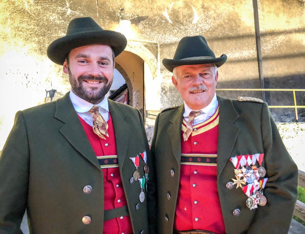 Schützen durch und durch: Toni Kaufmann junior und senior sind am Sonntag am Wie..