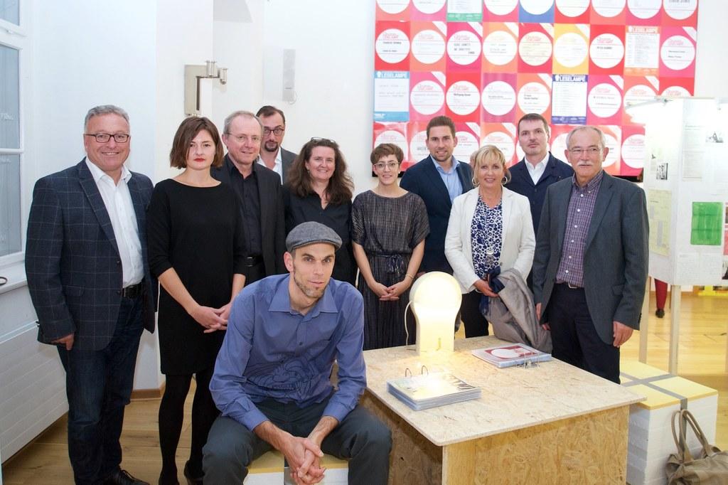 """LH-Stv. Heinrich Schellhorn bei der Ausstellungeröffnung  """"dauerbrenner. 50 Jahr.."""