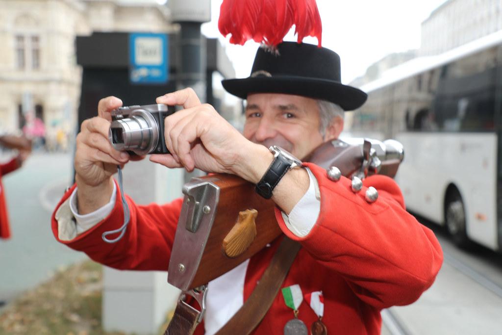 Auch die teilnehmenden Schützen und Musikanten waren vom Festakt begeistert, sie..