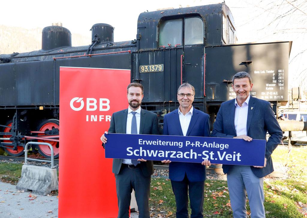 Der Bahnhof Schwarzach-St.Veit bekommt einen neuen Vorplatz und die Park&Ride-An..