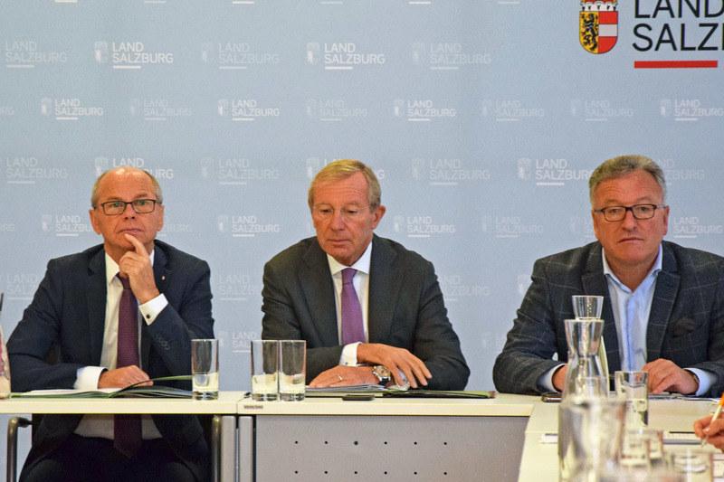 LH Wilfried Haslauer, LH-Stv. Christian Stöckl und LH-Stv. Heinrich Schellhorn h..