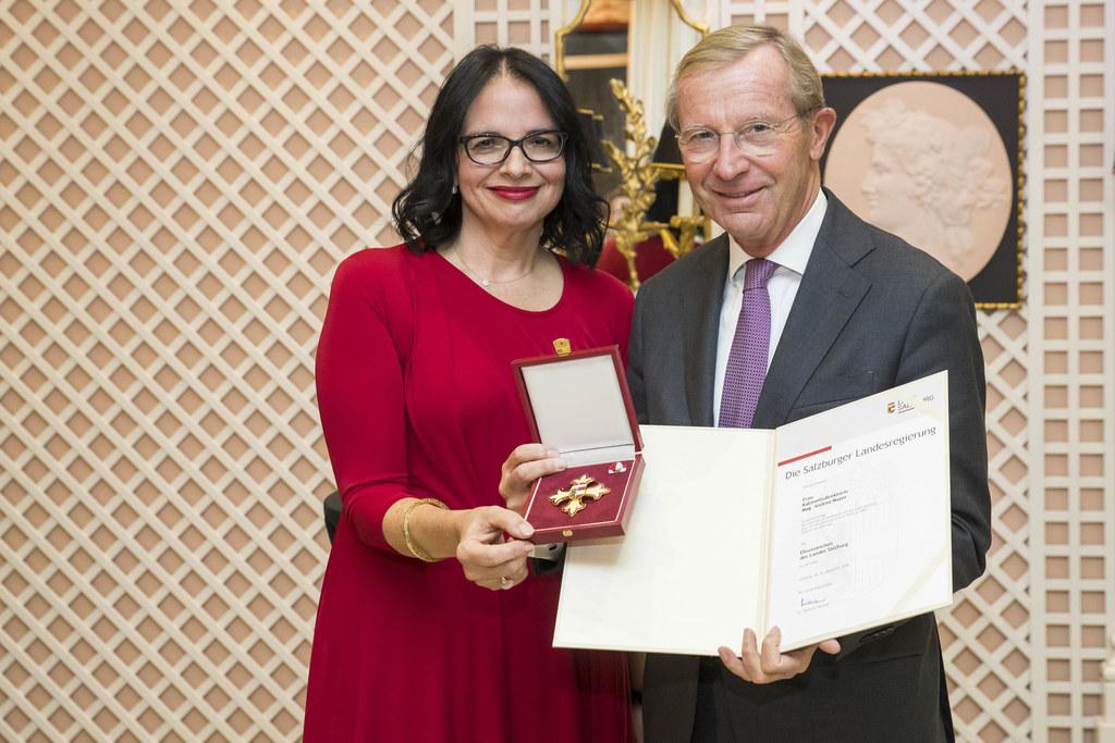 Ehrenzeichen des Landes Salzburg für Kabinettsdirektorin Andrea Mayer, im Bild: ..
