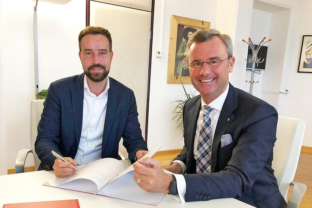 LR Stefan Schnöll und BM Norbert Hofer legten grundsätzliche Spielregeln bei der..