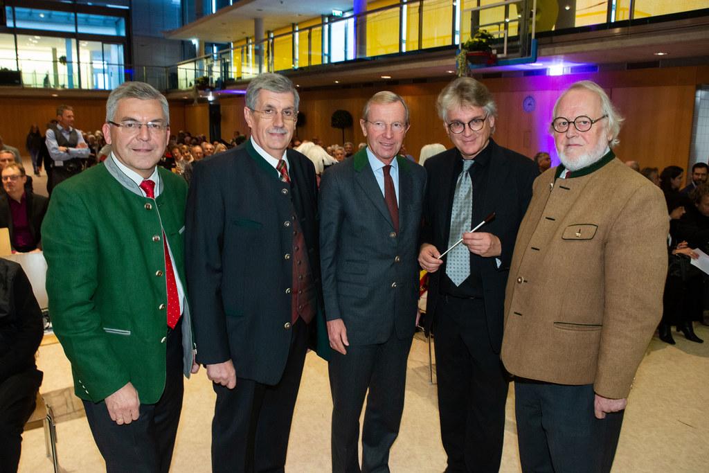 Im Bild: LR Josef Schwaiger, Bgm. Peter Schröder, LH Wilfried Haslauer, Reinhold..
