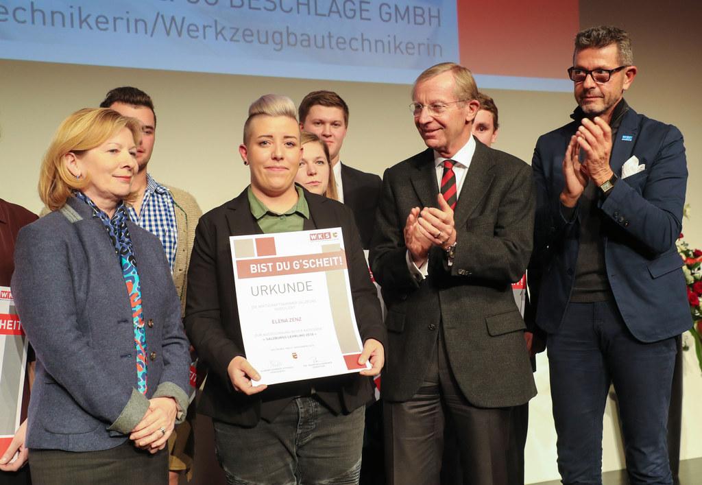 WKS-Vizepräsidentin Marianne Kusjko; Elena Zenz, Lehrling des Jahres; LH Wilfrie..