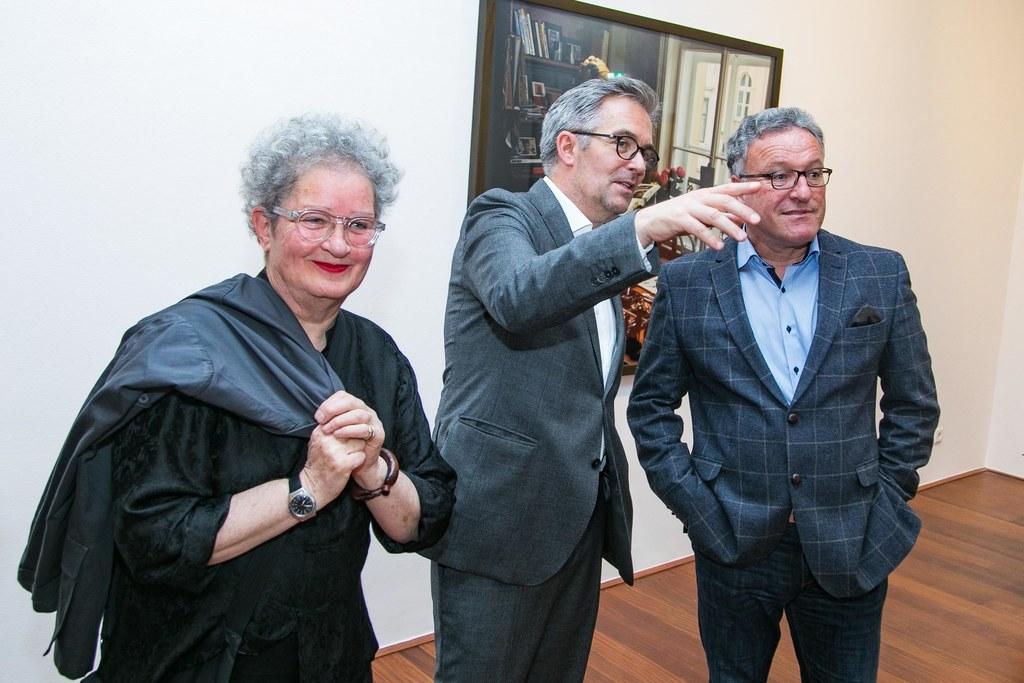 Lisl Ponger, Thorsten Sadowsky und LH-Stv. Heinrich Schellhorn.