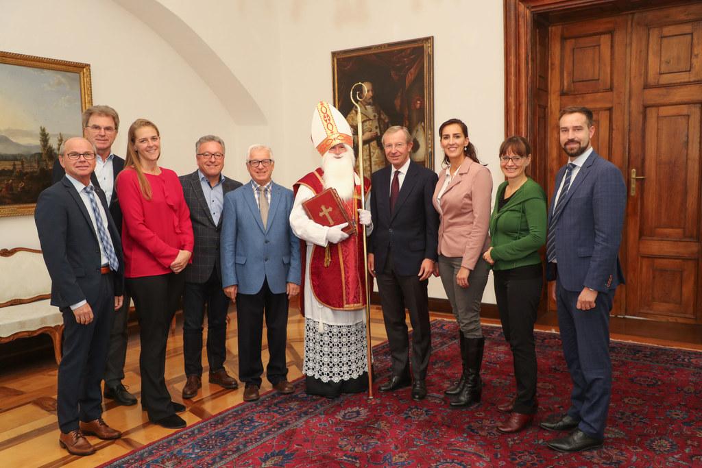 Der Nikolaus der Katholischen Männerbewegung stattete dem Chiemseehof einen Besu..