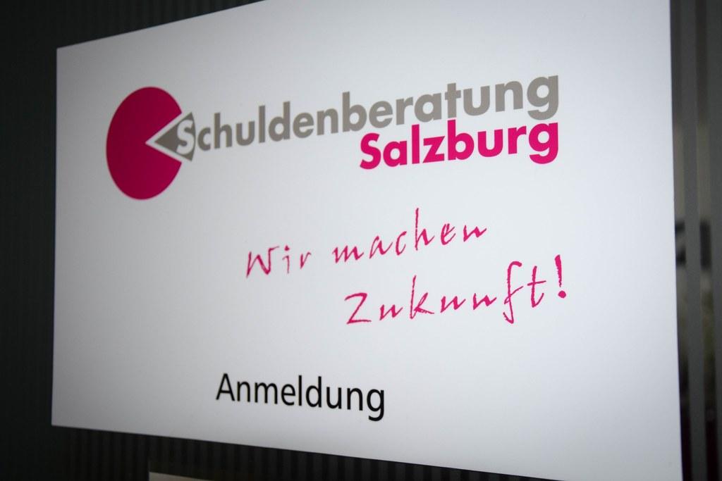 Schuldenberatung gibt es in der Stadt Salzburg, in St. Johann im Pongau und in Z..