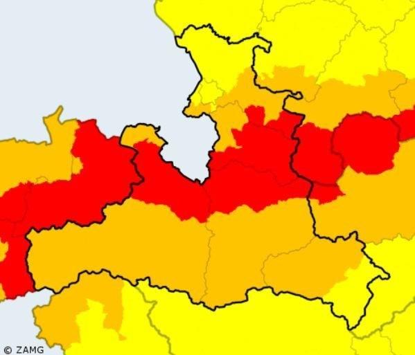 Diese Karte zeigt, wo in Salzburg am Sonntag welche Warnstufe gilt (Quelle: ZAMG..