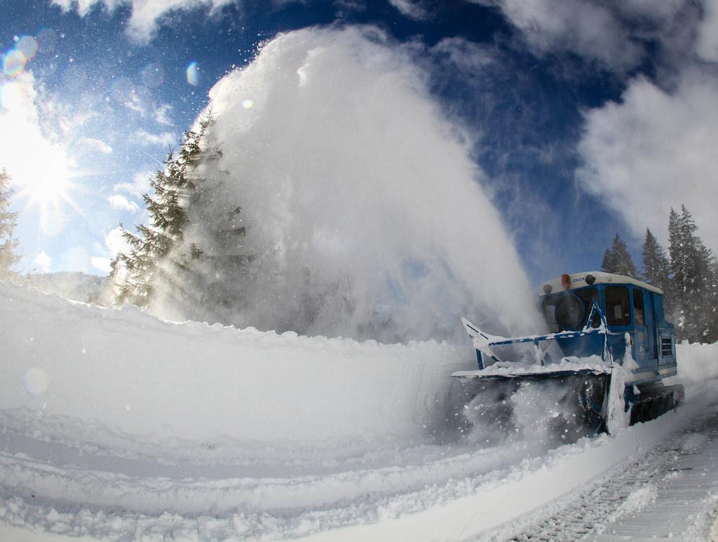 Für die Schneeräumung am Dientner Sattel kommt der legendäre Wallack-Pflug zum E..