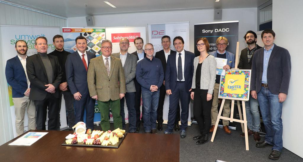 Sieben neue Betriebe unterzeichneten Salzburg-2050-Vereinbarungen, für LH-Stv. H..