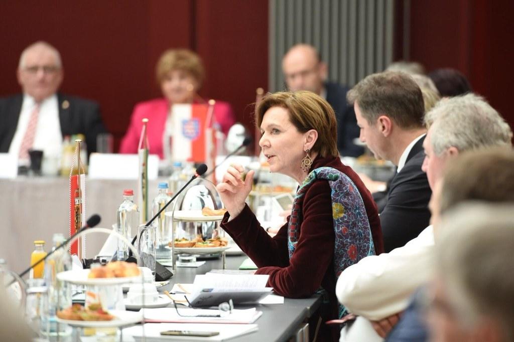 LTP Brigitta Pallauf bei der Europakonferenz in Brüssel, auf der ein Forderungsk..