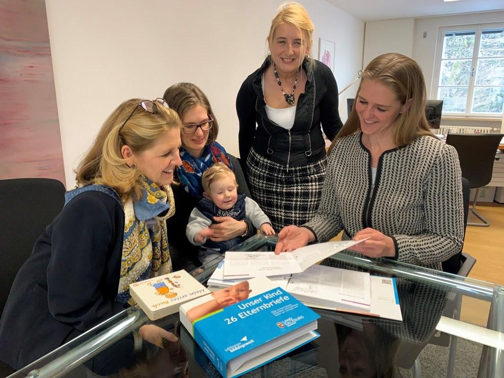Die neuen Elternbriefe finden interessierte Leserinnen in LR Andrea Klambauer, B..
