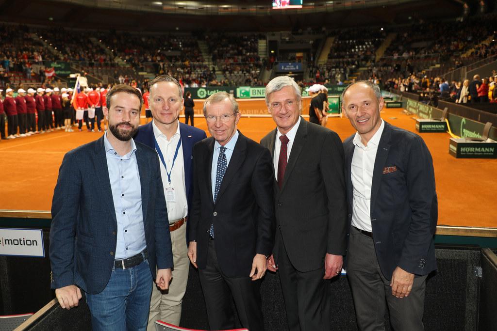 LR Stefan Schnöll, ÖTV-Präsident Werner Klausner, LH Wilfried Haslauer, Bgm. Har..