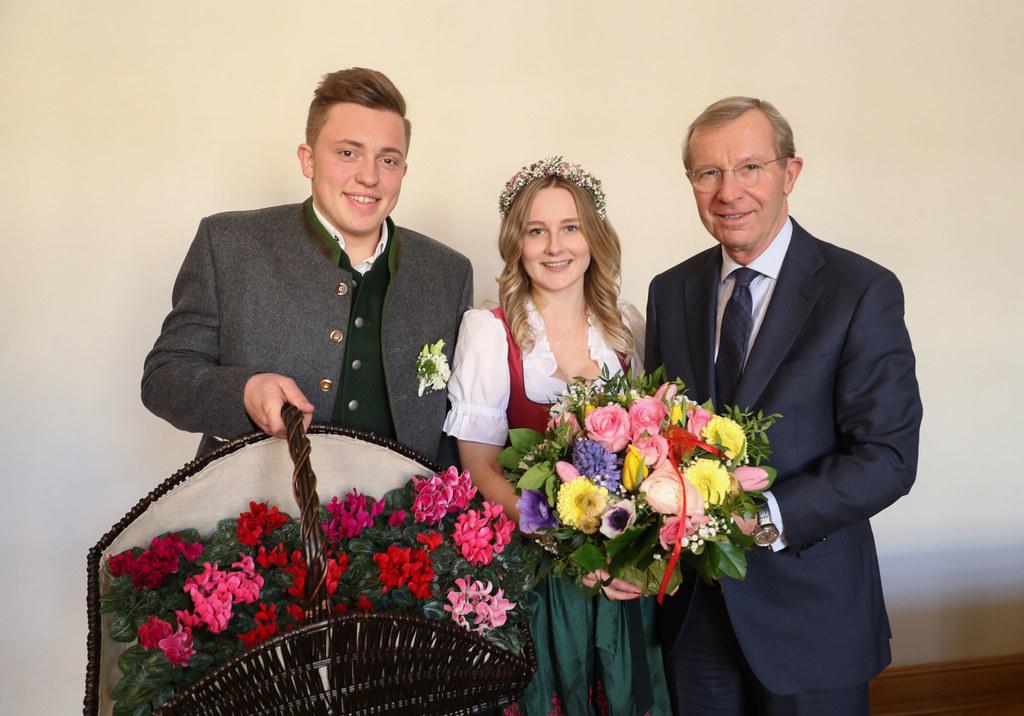 Das Valentinspärchen Melanie und Daniel überbrachten Frühlingsbotschaften an LH ..