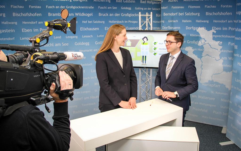 Wohnbauförderung neu: LR Andrea Klambauer im Gespräch mit Chefredakteur Franz Wi..