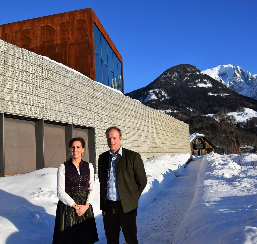 LR Maria Hutter und Ulrich Brendel, stellvertretender Leiter Nationalpark Bercht..