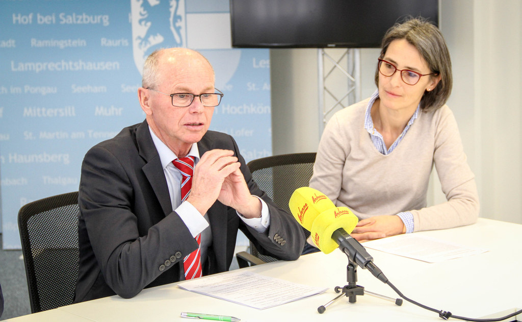 LH-Stv. Christian Stöckl und Landessanitätsdirektorin Petra Juhasz.