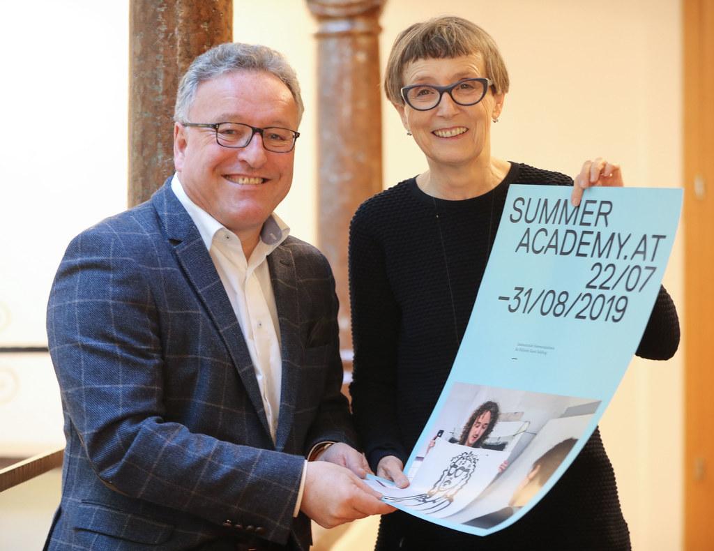 LR Heinrich Schellhorn und Hildegund Amanshauser, Direktorin der Sommerakademie ..