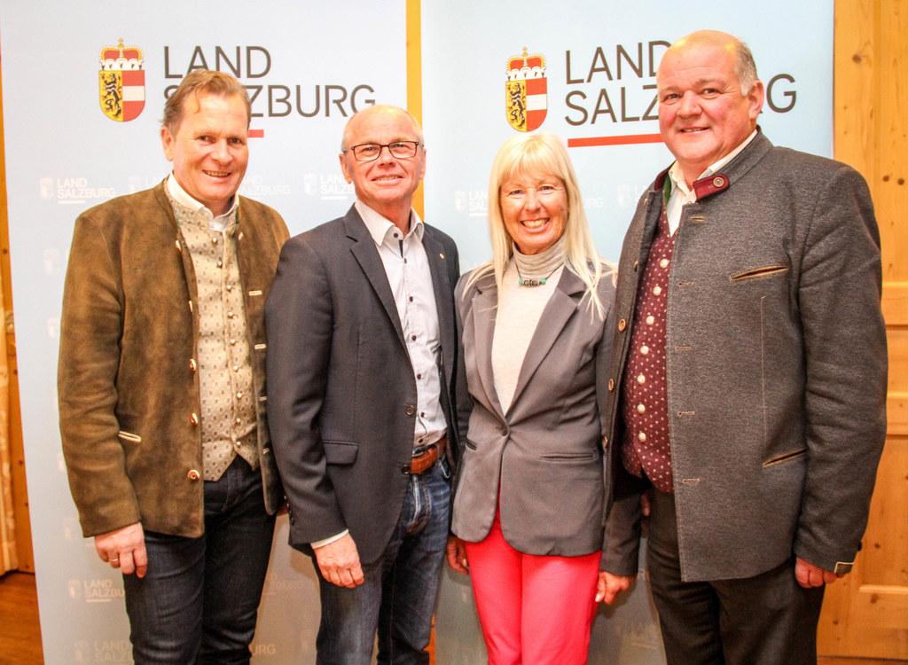 Neue Pflegeausbildung an der SOB Saalfelden, im Bild: LH-Stv. Christian Stöckl m..