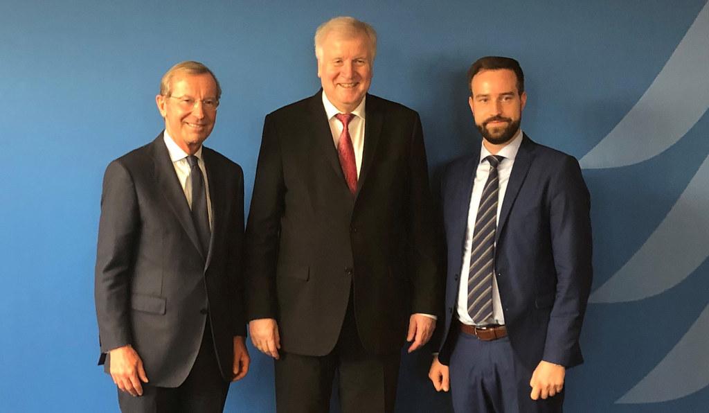 LH Wilfried Haslauer und LR Stefan Schnöll bei Deutschlands Innenminister Horst ..