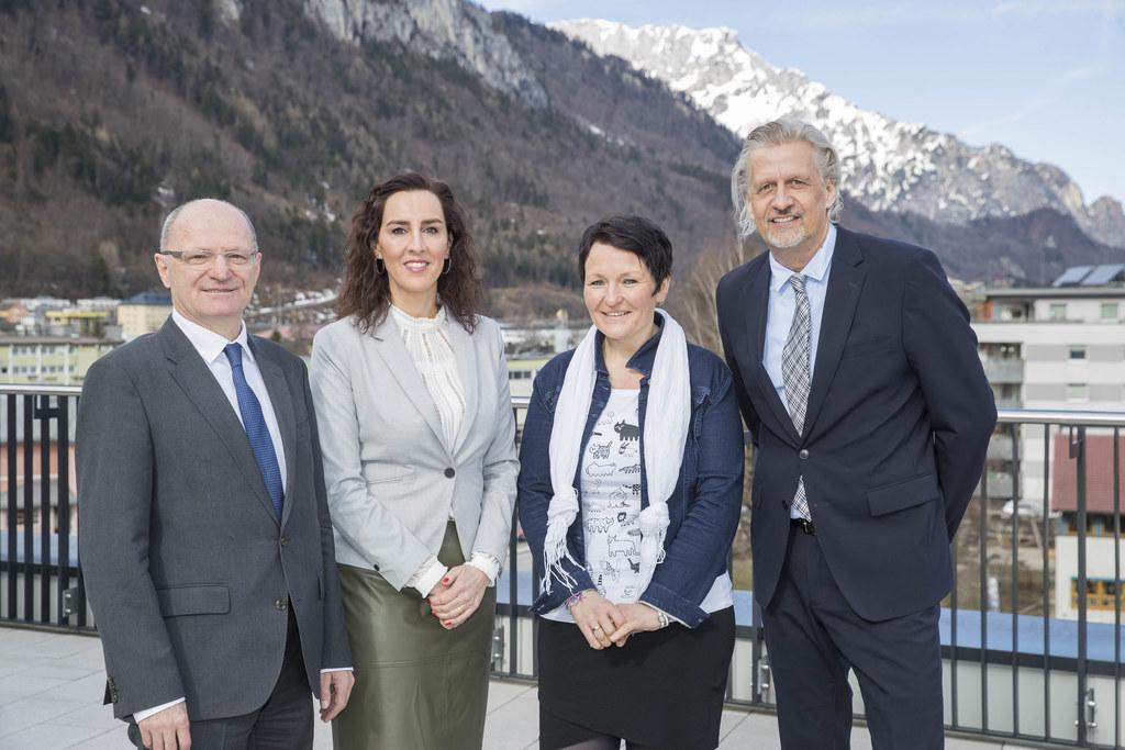 Präsentierten aktuelle Bildungszahlen in der Bezirkshauptmannschaft Hallein (v.l..
