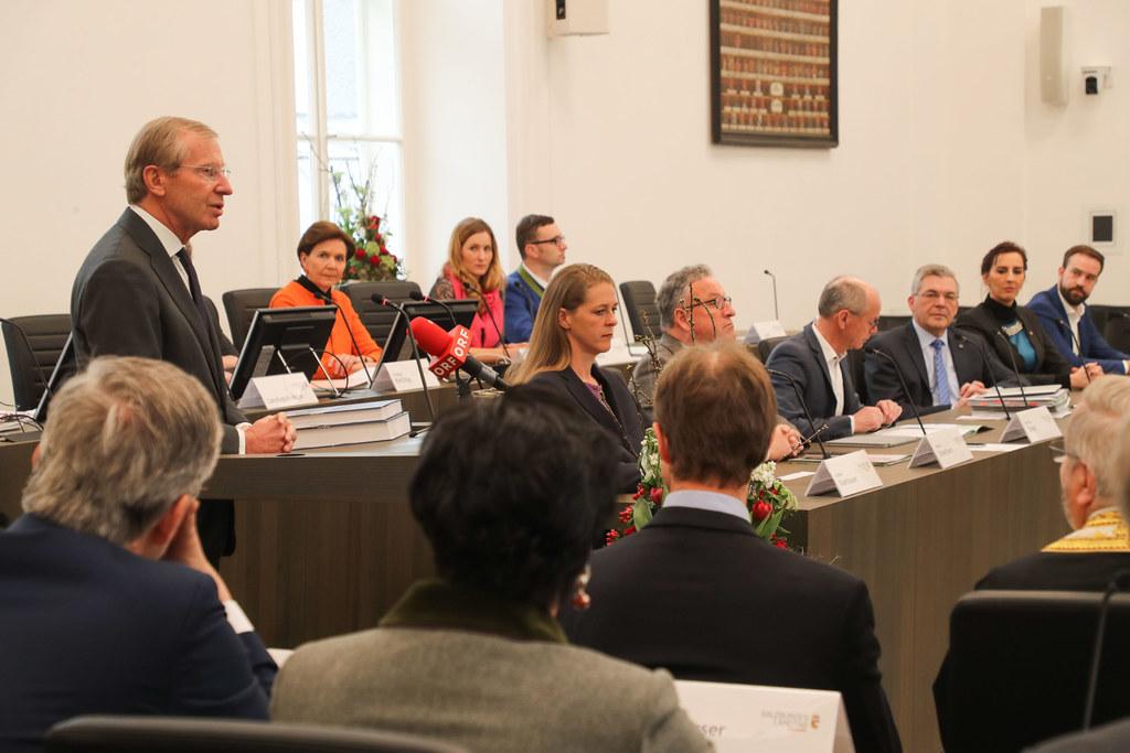 Erste Plenarsitzung des Salzburger Landtags im neuen Sitzungssaal im Chiemseehof..