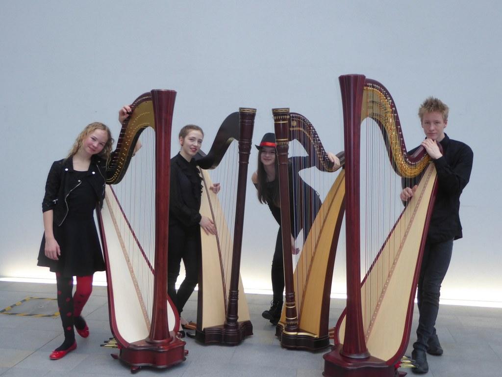 """""""Todos con fuego"""" sorgt als jüngstes Harfen-Quartett Salzburgs beim Wettbewerb p.."""