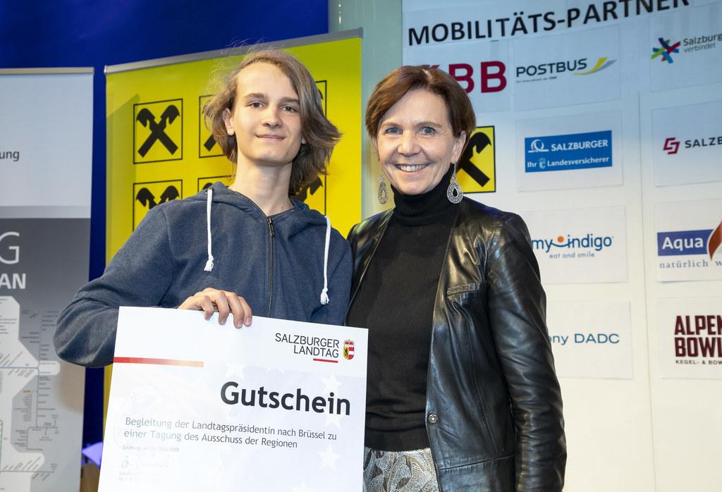 Sebastian Schwap überzeugte beim Europa-Quiz und wird LTP Brigitta Pallauf nach ..