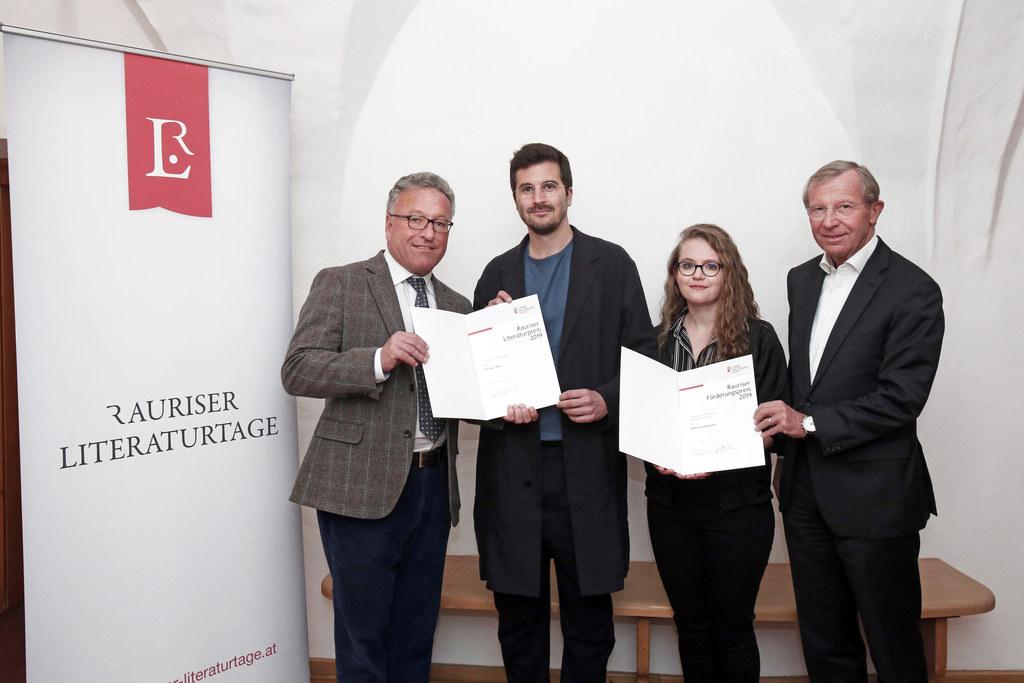 Rauriser Literaturpreis 2019, im Bild LH-Stv. Heinrich Schellhorn, die Preisträg..
