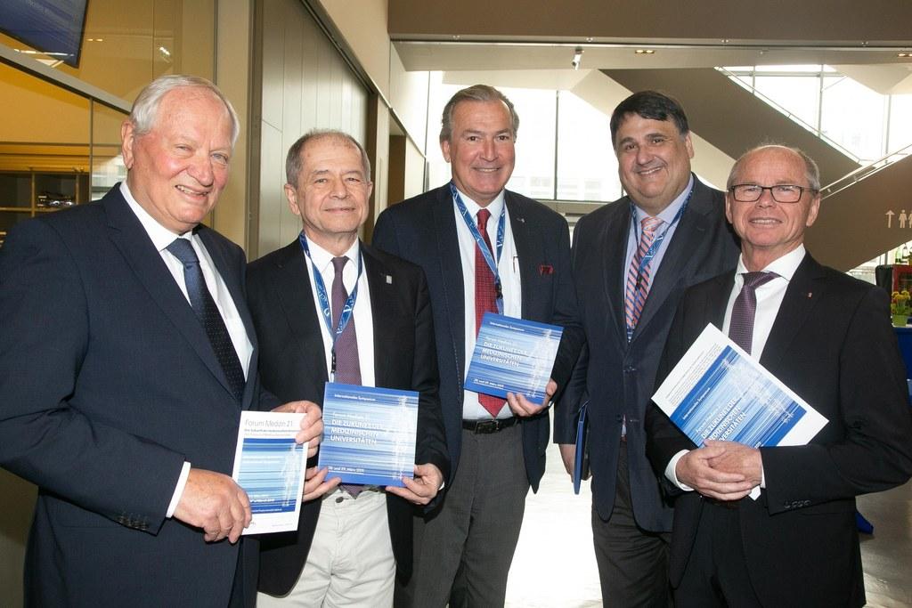 v.l.n.r.: PMU-Rektor Herbert Resch, Antonio Loprieno (Vorsitzender des Österreic..