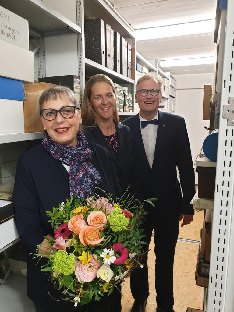 LR Andrea Klambauer verabschiedete Prof. Ulrike Kammerhofer-Aggermann, Leiterin ..