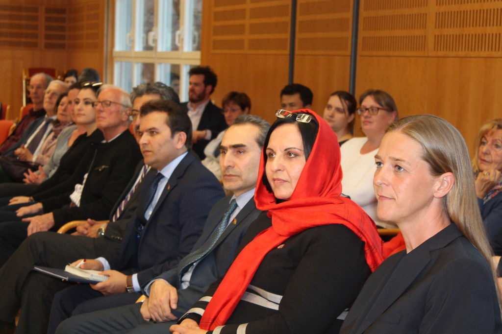 Migrationsdialog mit der afghanischen Botschafterin H. E. Khojesta Fana Ebrahimk..