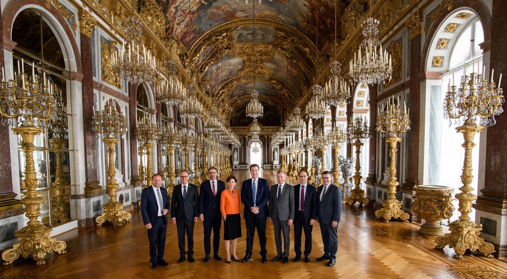 Landtagspräsidentin Brigitta Pallauf beim Treffen der Regierungschefs aus dem Al..
