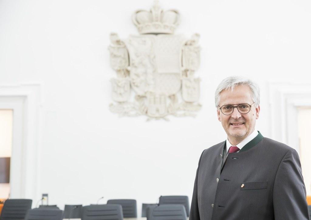 Für den Zweiten Landtagspräsidenten Sebastian Huber sind die Berichte der Volksa..