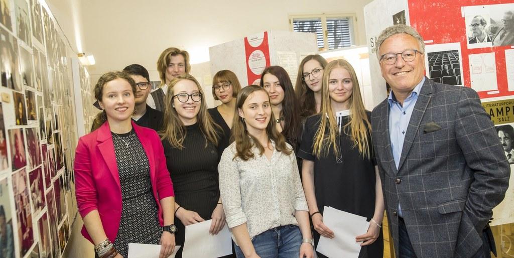 Junge Leute begeisterten heuer im April mit ihren Texten das Publikum im Literat..