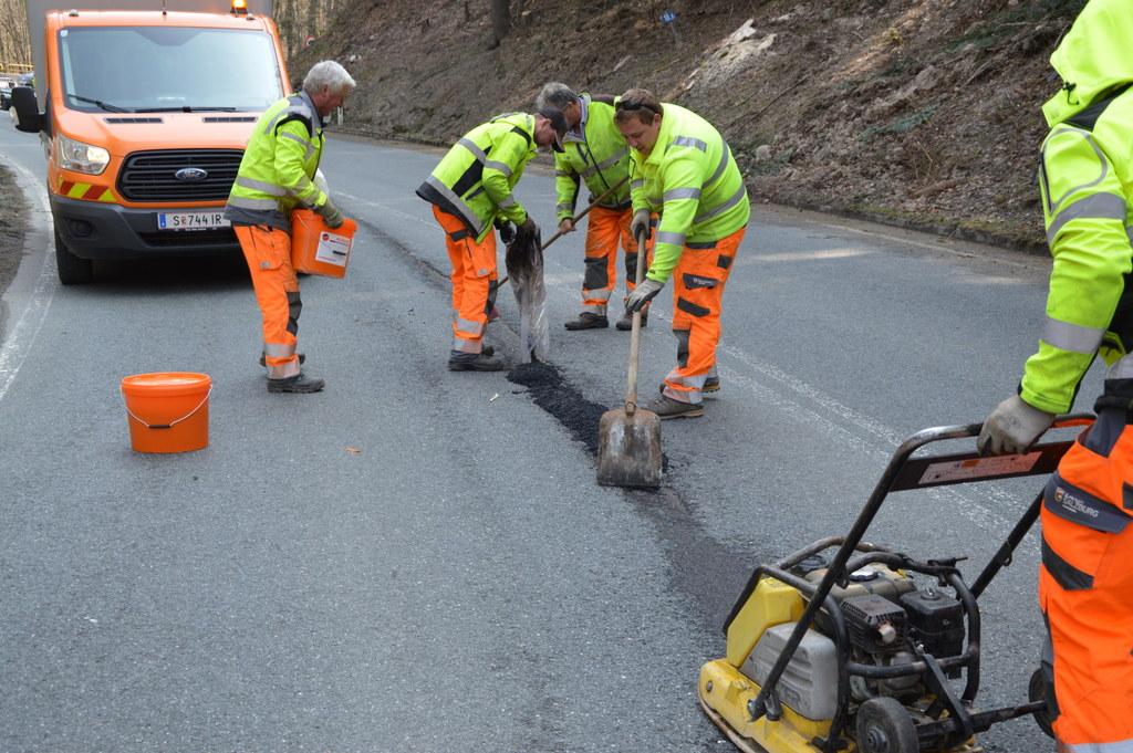 Die Sanierungsoffensive des Straßennetzes wird fortgesetzt, 17 Millionen Euro werden investiert.