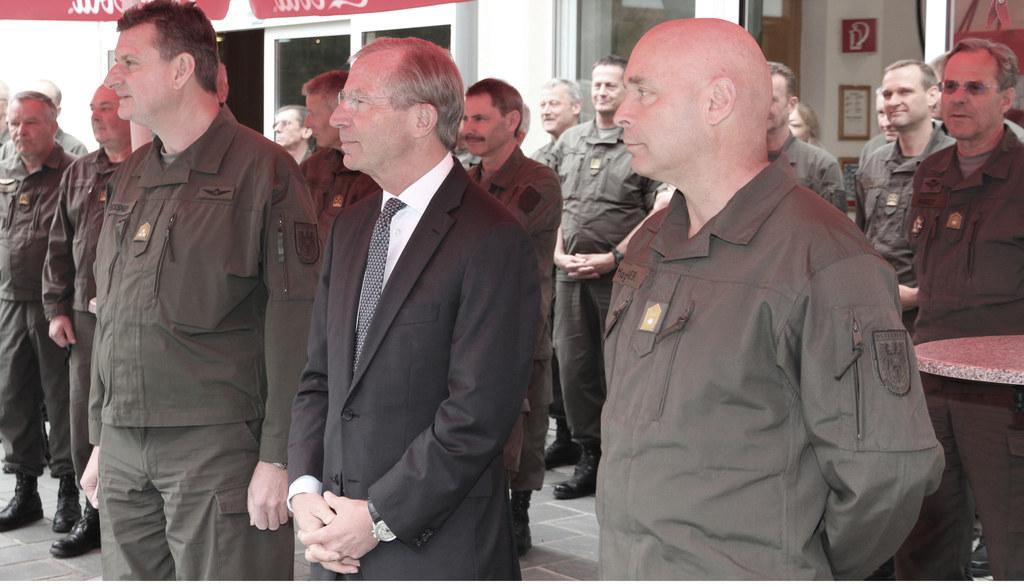 Kommandantenbesprechung der neu aufgestellten Streitkräfte in Salzburg, im Bild ..