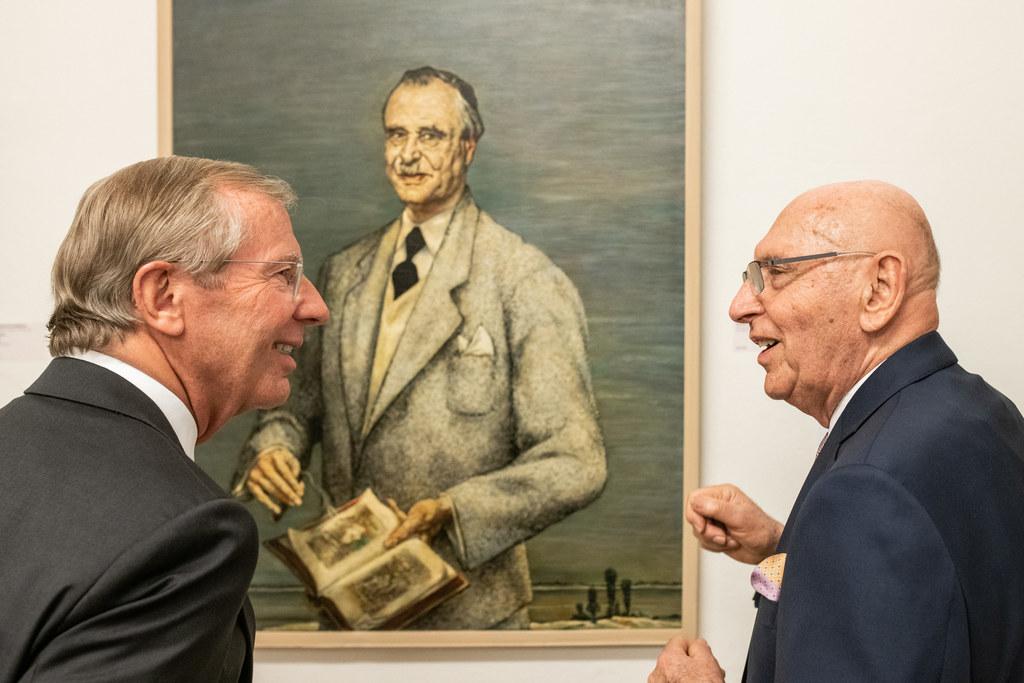 LH Wilfried Haslauer und Sammler Heinz Böhme bei der Vernissage im Museum Kunst ..